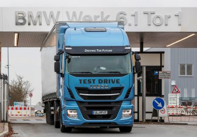 2888-IVECO-Stralis-NP-BMW-Group