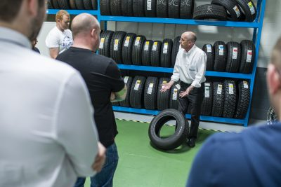 065-8797-Michelin-2016-Tyre-Academy-course
