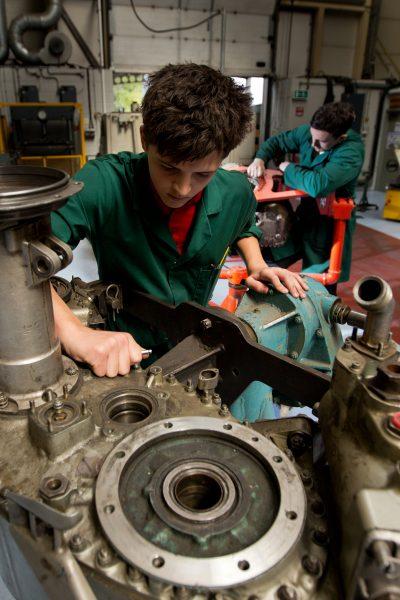 064-02-Caerdav-Level-3-Aircraft-Maintenance-Apprenticeship-Programme