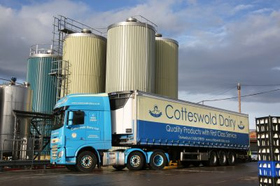 324-01-Carrier-Transicold-Vector-HE-19-Cotteswold-Dairy