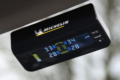 001-Fit2Go-Michelin-TPMS-solar-powered-display-screen