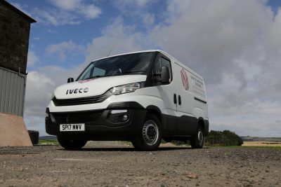 2833-9547-IVECO-DAILY-BUSINESS-UP-app-David-Shepherd-Builders