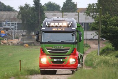 2900-40-IVECO-Stralis-X-Way-Selbys-Garage