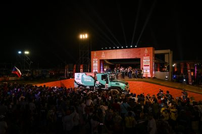 2947-01-Team-PETRONAS-De-Rooy-IVECO-Dakar-2019
