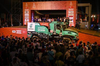 2947-03-Team-PETRONAS-De-Rooy-IVECO-Dakar-2019