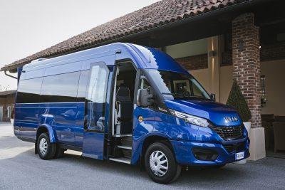 012-02-IVECO-BUS-Daily-Minibus