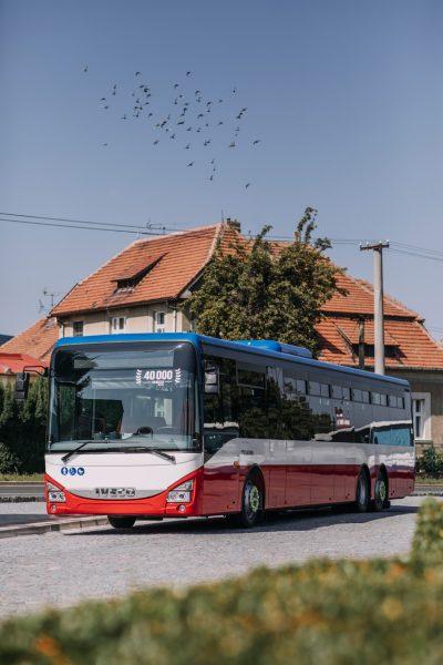 2990-02-IVECO-BUS-40,000th-Crossway