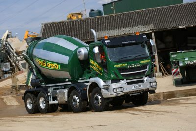 2985-28-IVECO-Stralis-X-Way-G&B-Finch