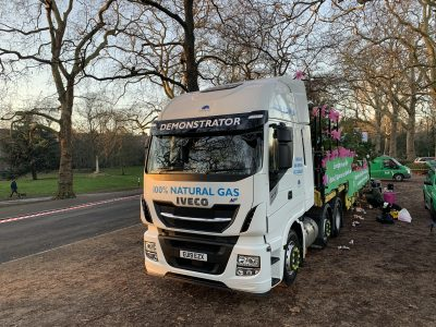 3015-346-IVECO-Stralis-NP-London-New-Year's-Day-Parade