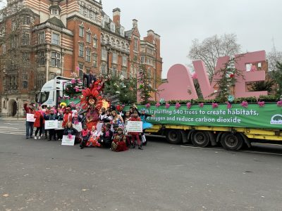 3015-355-IVECO-Stralis-NP-London-New-Year's-Day-Parade