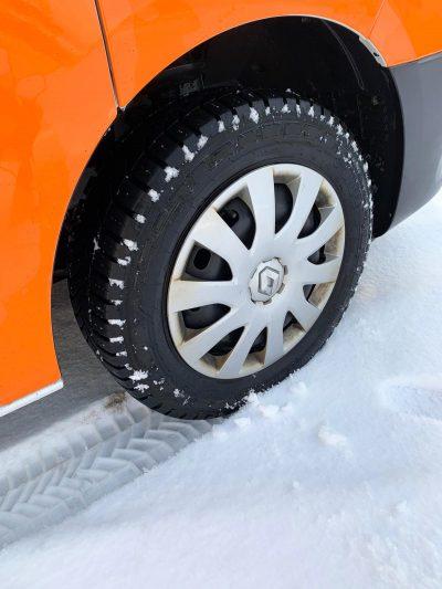 328-02-Michelin-Agilis-CrossClimate-Easityre
