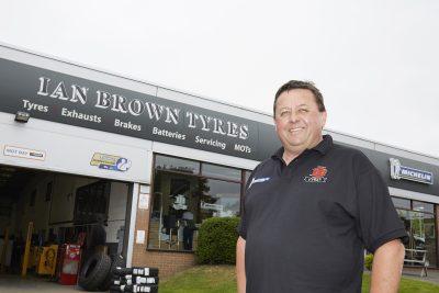 093-011-Ian-Brown