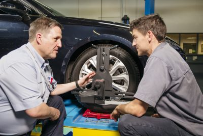 101-712-Michelin-Auto-Professional-Licensed-Retail-Tyre-Technician-course