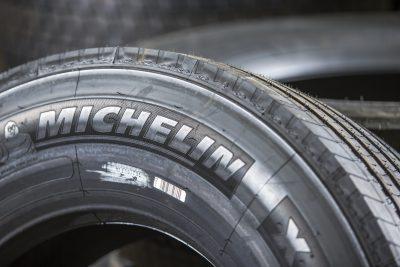 453-Michelin-Britannia-Bus